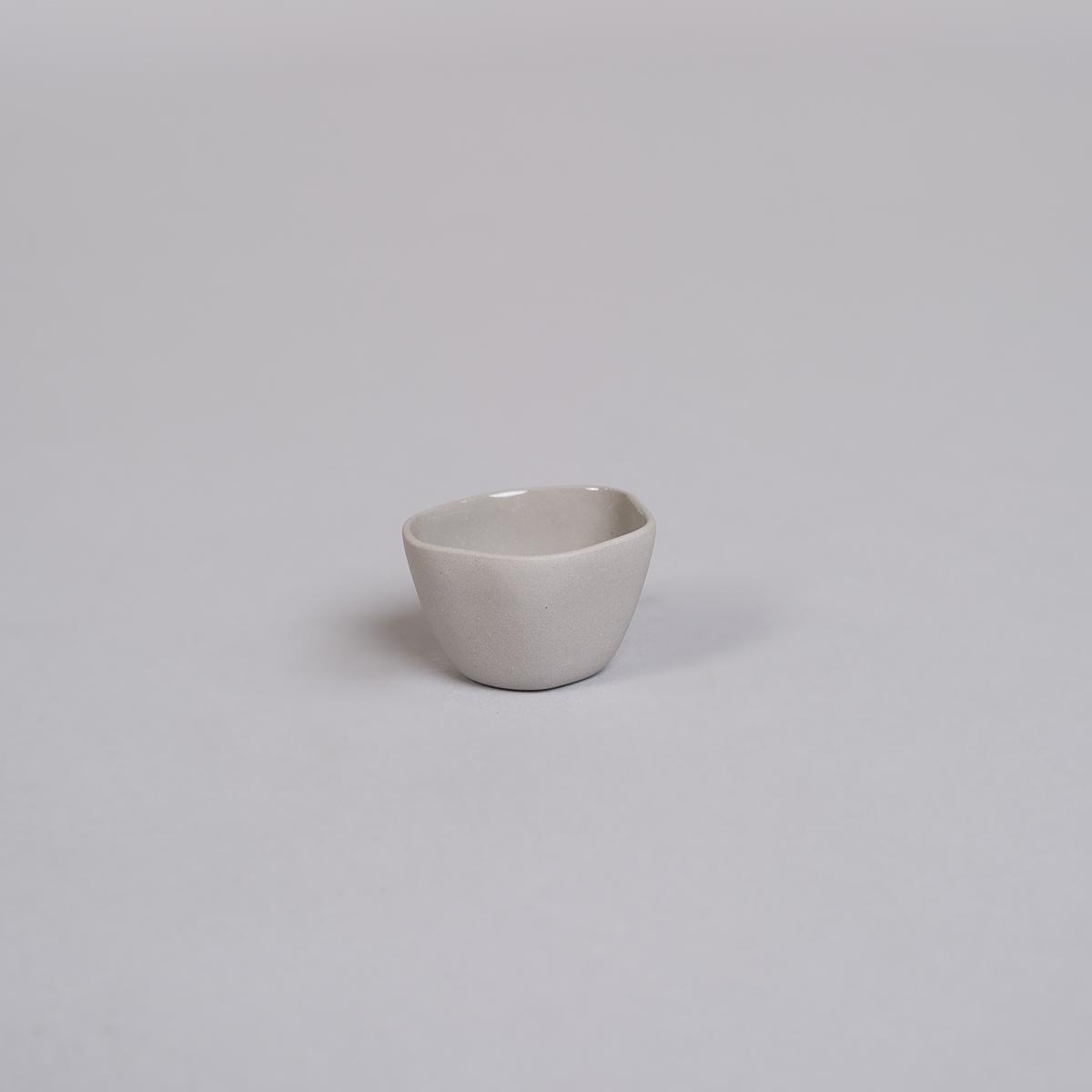Egg glass / liten skål i Porselen-Lys grå-0