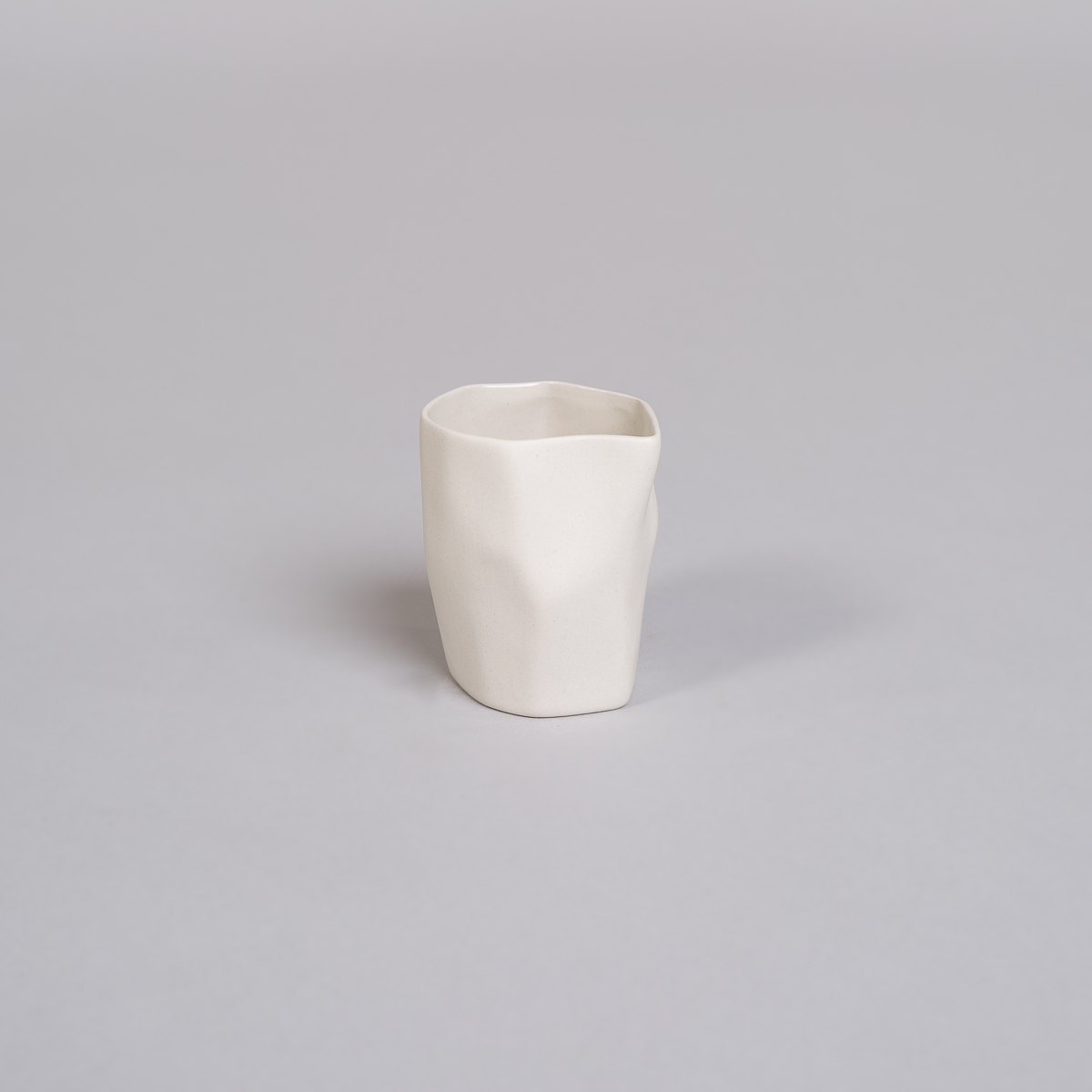 Fløte Mugge i Porselen - Kremfarget-0