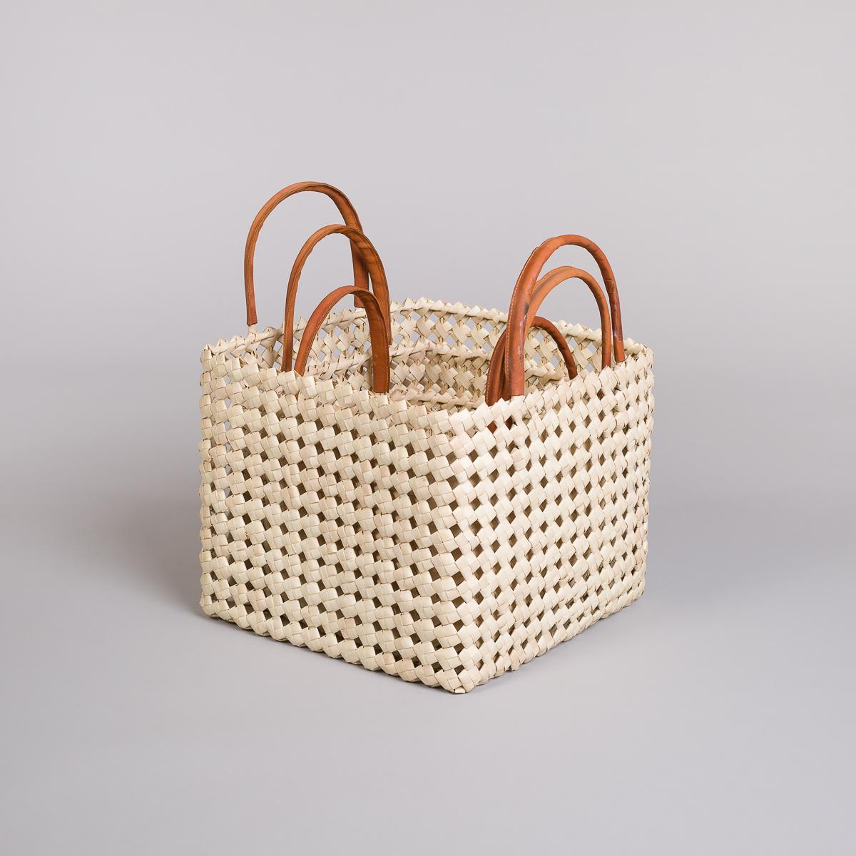 Sett 3 kurver i bambus med skinn på håndtak-Lys-127