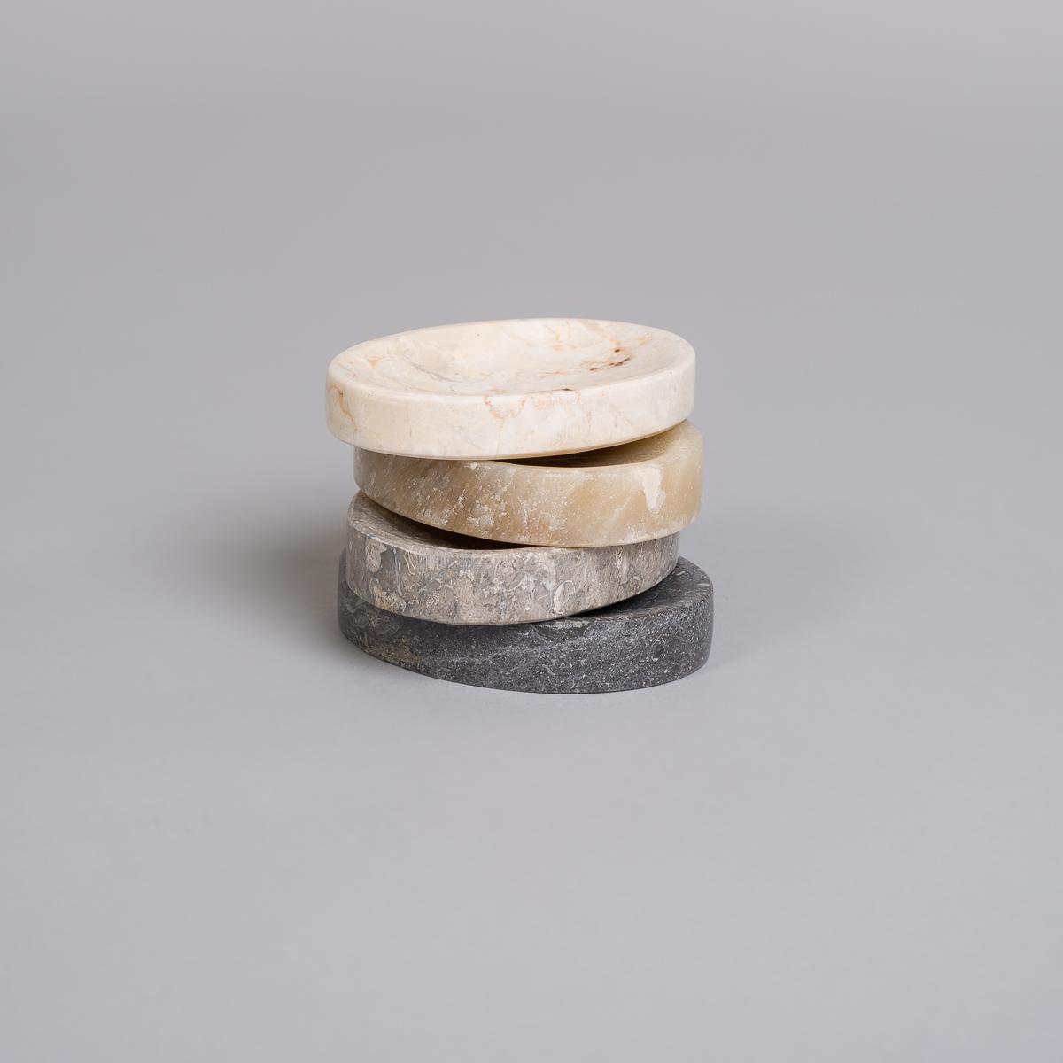 Oval såpekopp i Marmor-Sort-168