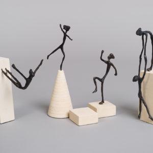 "Bronse figur ""Reddende""-191"