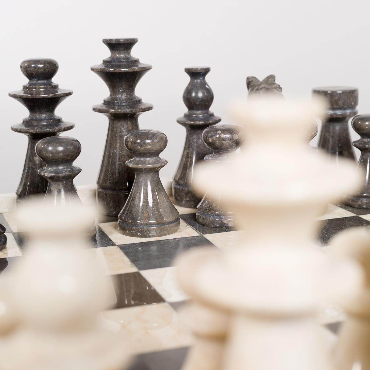 Sjakkbrett og brikker i Marmor-585